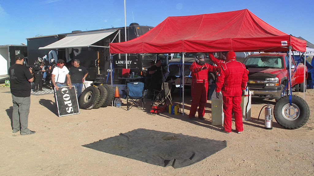 The main pit preparing for the inbound Class 1. Zak Langley would step out of the car after two laps and Dan Martin would replace him for the final two laps.