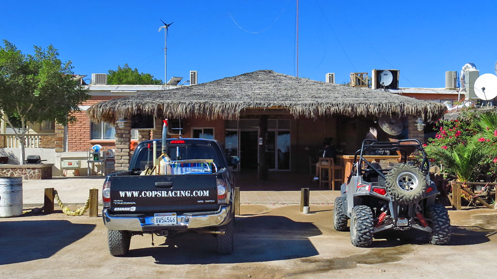 After spending the night in San Felipe, our first stop was for ice and supplies at Playa Grande in Gonzaga Bay, Baja. Today's drive, from San Felipe to Mulegé, would be 680 km.