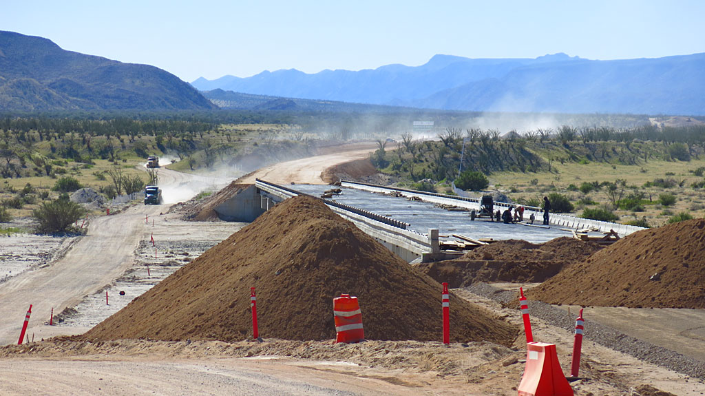 The 300-meter bridge construction over Arroyo Santa Maria. Traffic was detoured to one side of the new road, then the other. And then back again.