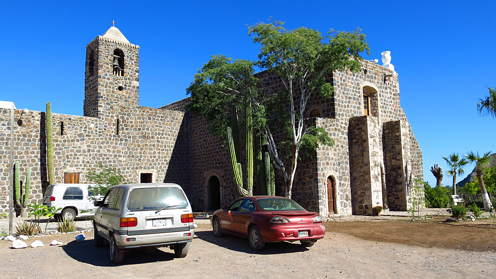 The Misión Santa Rosalía de Mulegé was founded in 1705 by the Jesuit missionary Juan Manuel de Basaldúa. Construction of a stone church was begun in 1766. In 1768,  the Franciscans took over responsibility for colonial Baja California from the Jesuits, however, by 1770, the mission was virtually deserted. The Dominicans, who succeeded the Franciscans in Baja in 1773, began rebuilding, but the population remained less than 100.