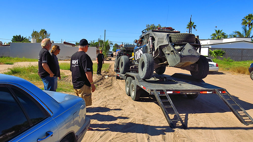 Sunday morning off-loading the prerunner, Oprah, in Cuidad Insurgentes. Morgan and John practiced different sections on the way south to La Paz. On Race Day, Morgan would drive the Class 1 and John would drive the Class 10.
