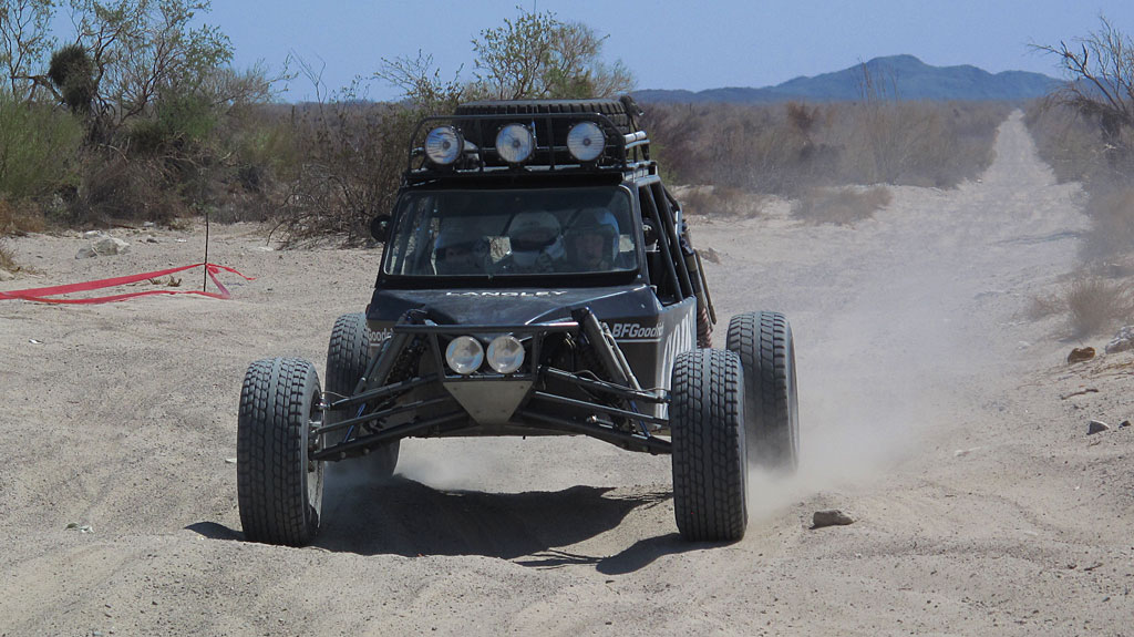 Ripping down the old Puertocitos Road, Zak arrives in the other prerunner.