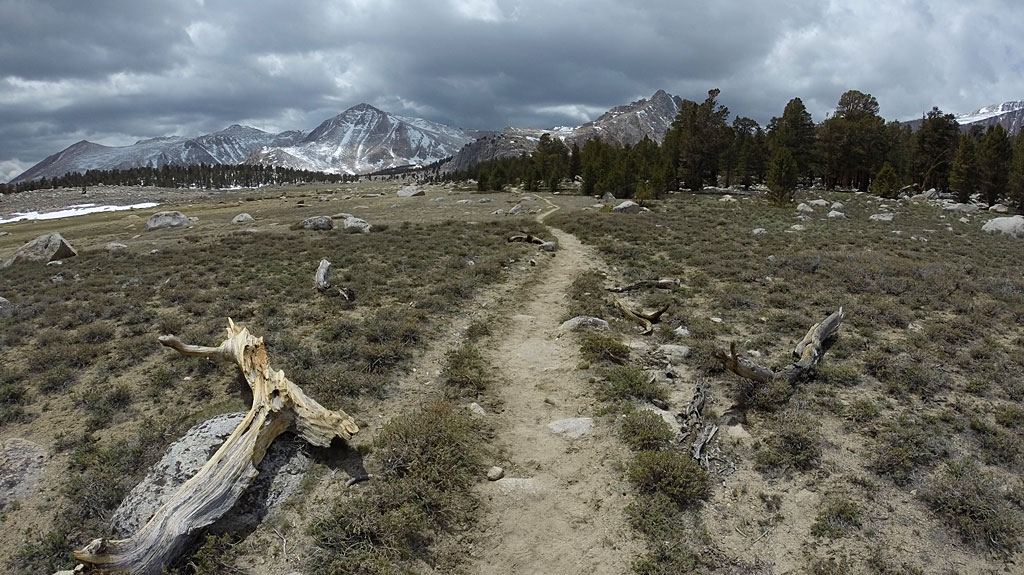 As we approached Cirque Peak and Cottonwood Lakes (there's six Cottonwood Lakes), the trail flattened out at around 11,100'. Temps were chilly - we received some snow flurries.