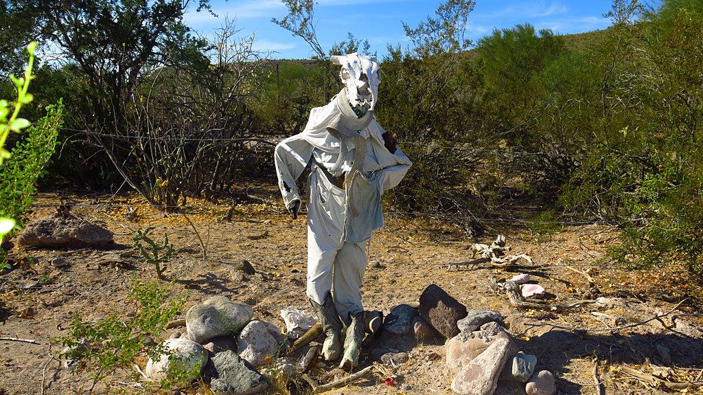El Señor Vaca Muerta es amigo de Chupacabra. ¡Mierda!